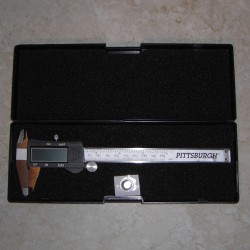 "Digital Caliper 6"" Measures Inches, Milimeters, or Fractions"