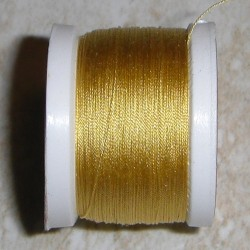 Amber Pearsall skir Silkestråd