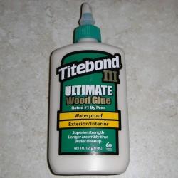 Titebond 三 8 盎司。